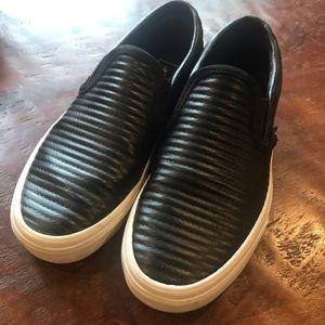 Black textured Vans 6.5/8